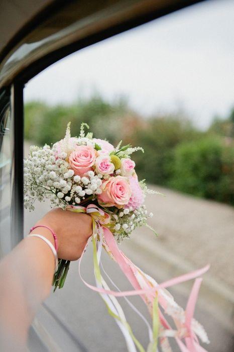 Magnifique bouqiet dans les tons roses pastel (Mariage de Nastassia et Julien à retrouver sur mariee.fr)