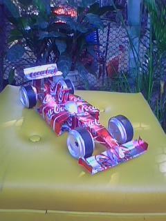 formula1 a escala hecho con material reciclado o latas de refresco elaborado por cipriano herrera ..maracay-venezuela