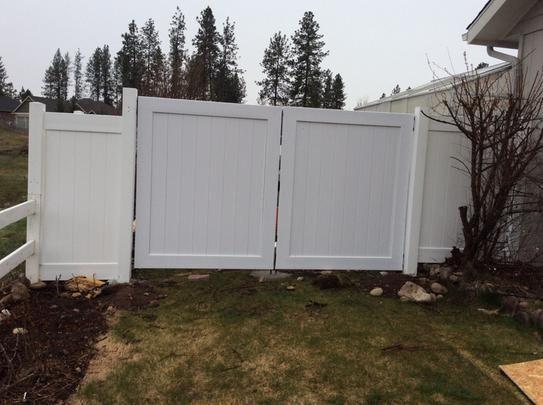 Veranda Linden 6 ft. H x 8 ft. W White Vinyl Pro Privacy Fence Panel Kit 73013298 at The Home Depot - Mobile