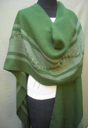 2011-2 Ruana verde con guarda 002