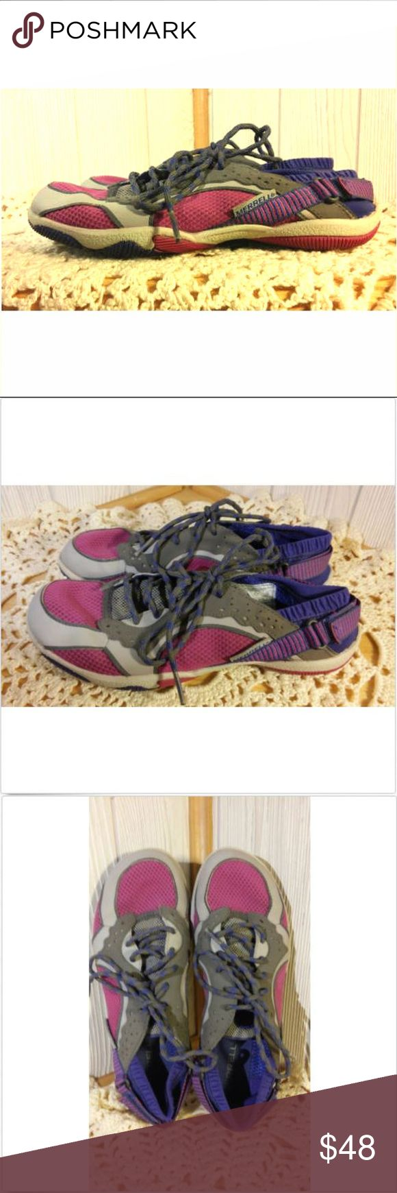 Merrell Barefoot Running Shoes Water Resistant Swift Glove by Merrell in Women's Size 6 Very good used condition!!! Drizzle/Mulberry Durable Water Resistant Shoes Merrell Shoes Athletic Shoes
