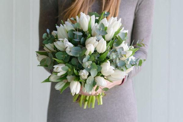 A compact posy of a classic spring favourite,complemented with scented Eucalyptus. Available: White/Cream, Red/Pink, Lilac/Purple, Mixed