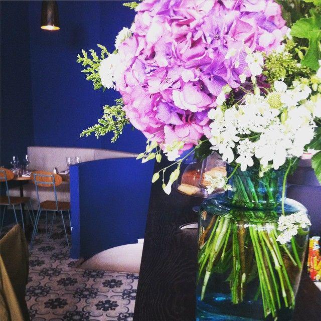 Décoration végétale créée par Mama Petula pour le restaurant Claudette 47 rue Turbigo à Paris