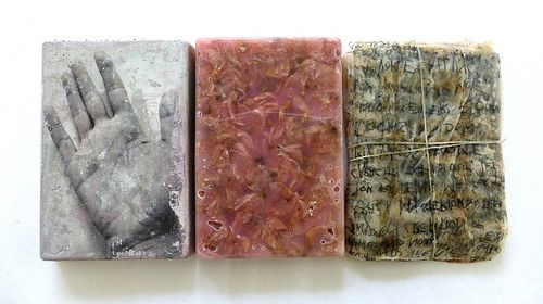 about the unsung verses:  ines-seidel.de/2014/09/verse-ungesungen/?lang=en  concrete with paint and photo transfer; dried blossoms in wax, teabags with written words, covered in wax. ca. 28x13x3 cm   Verse, ungesungen. dazu im Blog: ines-seidel.de/2014/09/verse-ungesungen Beton mit Farbe und Fototransfer; Teebeutel mit Schrift und Wachs. ca. 28x13x3 cm