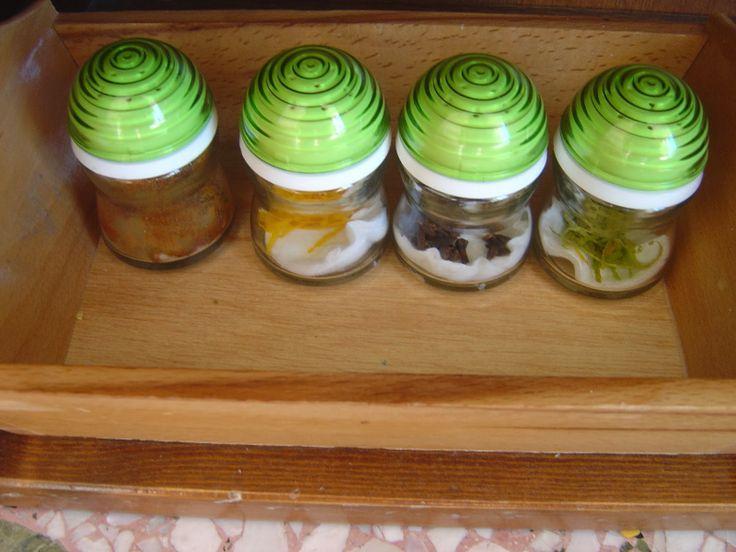 montessori smelling bottles