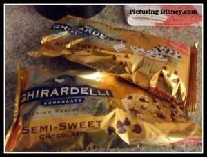 Ghiradelli Ultimate Chocolate Chip Cookies: the Bake-It-Yourself Disney Recipe (instructions with photos)