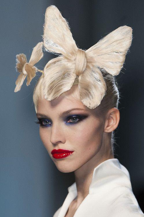 Stunning hair colours. Amazing hair designs. Avant-garde .Hugely inspiring for a…
