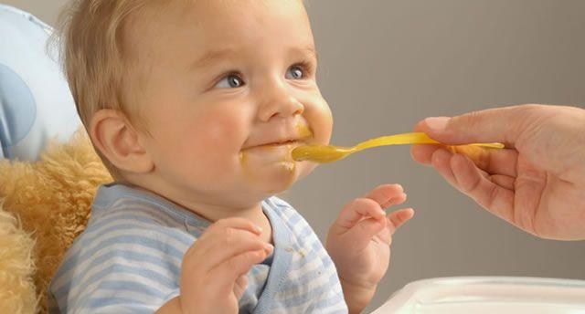 Für Babybrei eignen sich verschiedene Getreidesorten