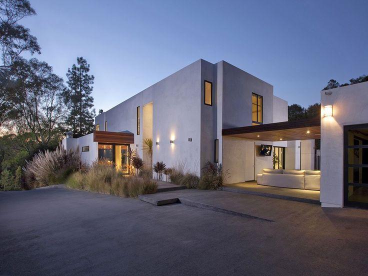 Cada casa que se presenta en Freshome tiene sus propias particularidades, que la hacen estallar hacia fuera. Cada vivienda presenta u...
