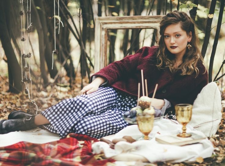 Feel cozy. Autumn, picnic, girl, inspiration, plaid, beauty, wood, forest, caramel apples, food inspiration,