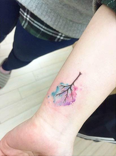 tatuajes de acuarela para mujeres 18