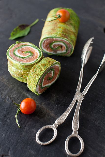 Spinach and Basil Smoked Salmon Roll
