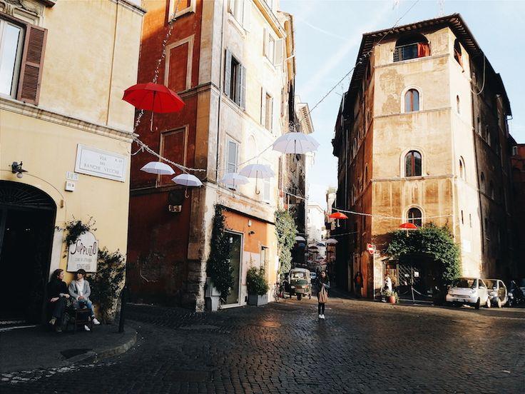 Via Dei Banchi Vecchi - End view of the street.