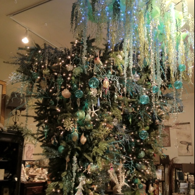 17 Best Images About Upside Down Christmas Trees On