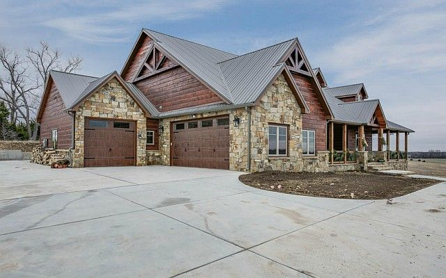 Breathtaking Lodge-type House w/ Amazing Interior (HQ Pictures) | Metal Building Homes