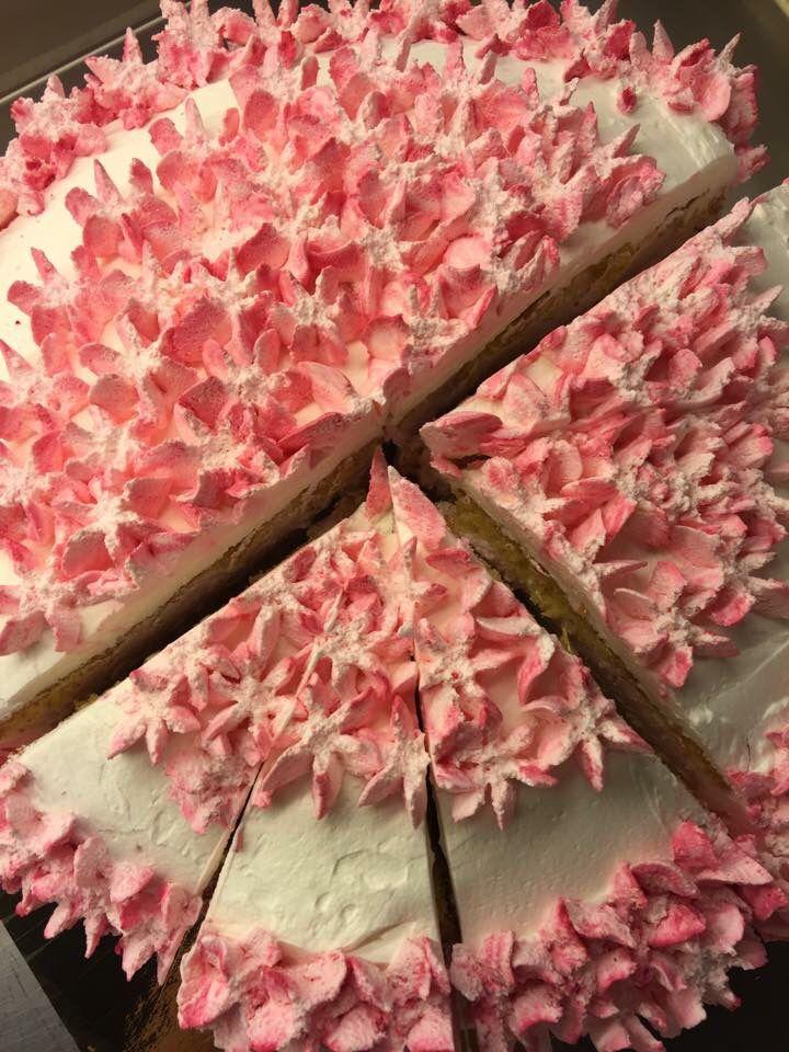 Darya pyntet kake