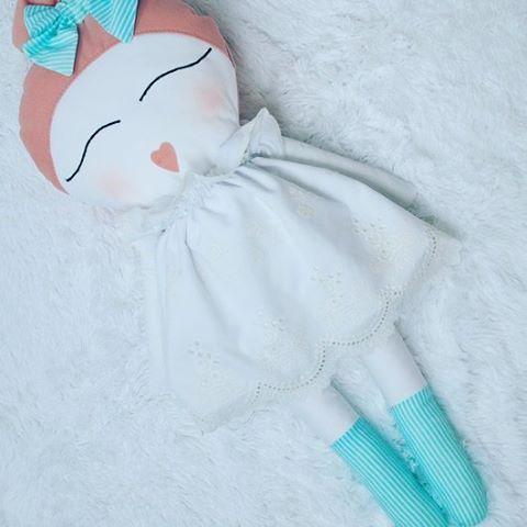 Miss Anna. #lamiukka #handmade #dollmaker #zabawki #przytulanki #szmacianki…