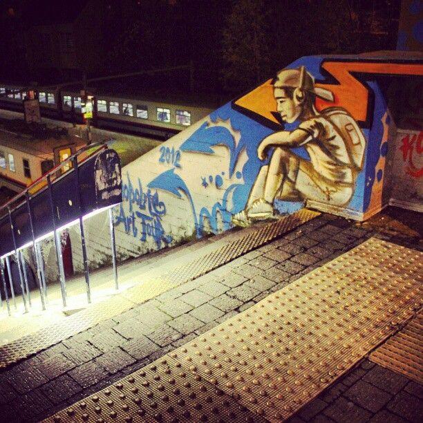 Gare de Louvain-la-Neuve Université, Kosmopolite Art Tour, Louvain-la-Neuve, #OLLN, #night, #streetphotography, #lights, #streetart, ,#stairs, #train, #instadaily, #instapic, #picoftheday, #photooftheday, #instabest