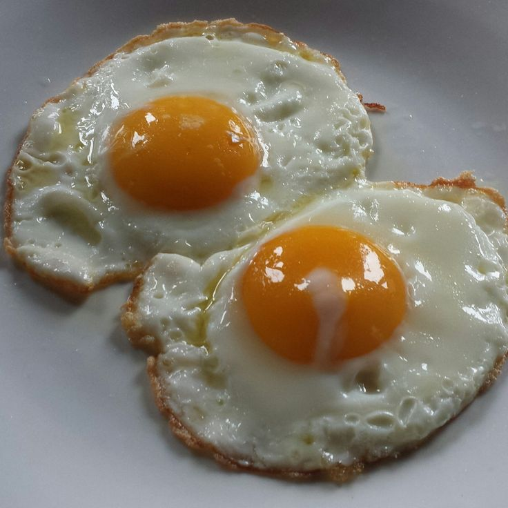 Uova all'occhio di bue / Fried eggs  www.hotel-posta.it  Choose our Hotel for a nice breakfast on Lake Como ...