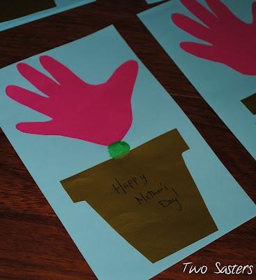 handprint flower pot Happy Mother's Day card #preschool