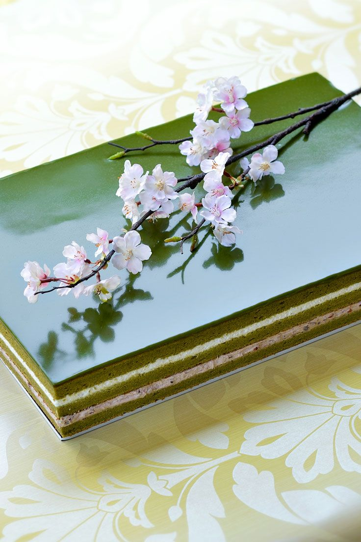 #NOVARESE #weddingcake #green #flower #cherry blossom #sakura #square