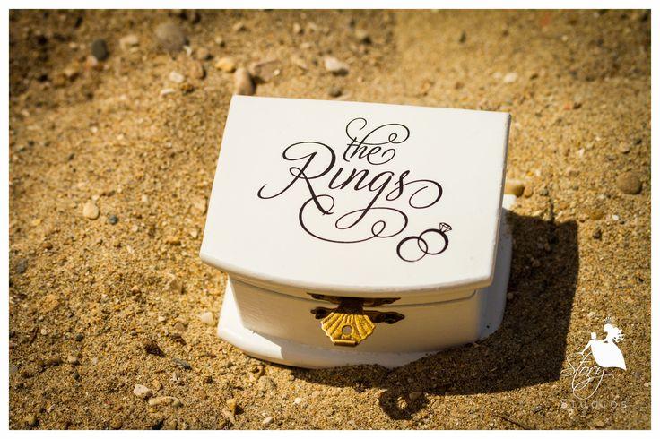 Lovely wedding rings box!