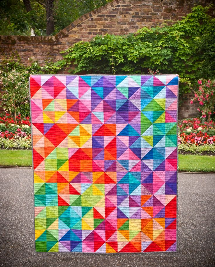 Jeliquilts: 'Postcard from Sweden' -aka the IKEA HST quilt, made easily with the Bloc-Loc HST ruler!