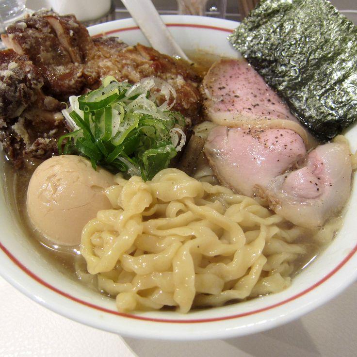 #Ramen #Dried-sardine-broth #Deep-fried-chicken #Thick-noodles #MEN-EIJI(SUGAI-SHOP) #Sapporo #Japan #ラーメン #煮干しラーメン #鶏の唐揚付き #札幌 #麺EIJI(スガイディノス店) #멸치 #라면