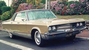 1968 Chrysler New Yorker Hardtop. Klassische Chrysler-Autos, neue / gebrauchte /… – Cedrik Black