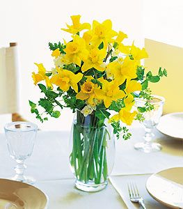 daffodil table centerpieces - Google Search