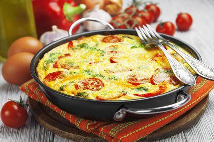 Receita de Fritada de Legumes. Aprenda a fazer uma nutritiva e deliciosa fritada de legumes. Confira como é fácil e surpreenda a todos!