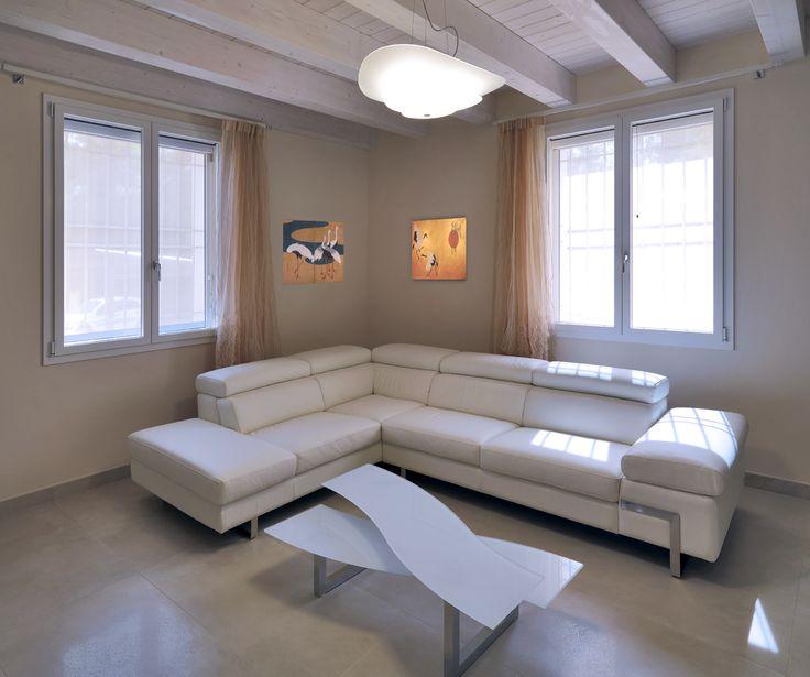 Oltre 25 fantastiche idee su finestre in legno su - Finestre bianche ...