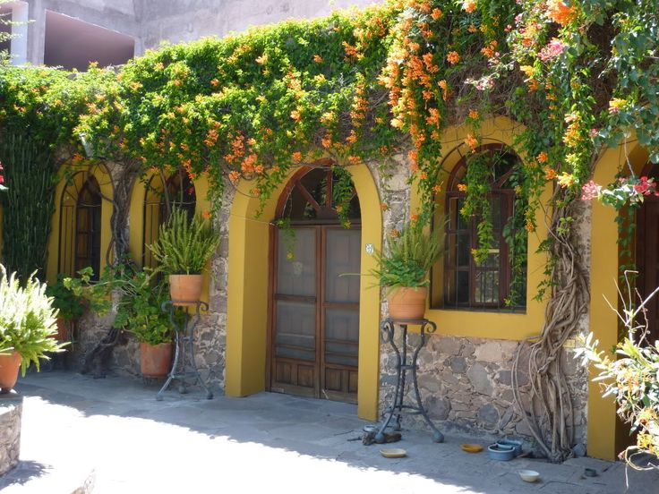 56 best mexican style images on pinterest haciendas for Hacienda style homes