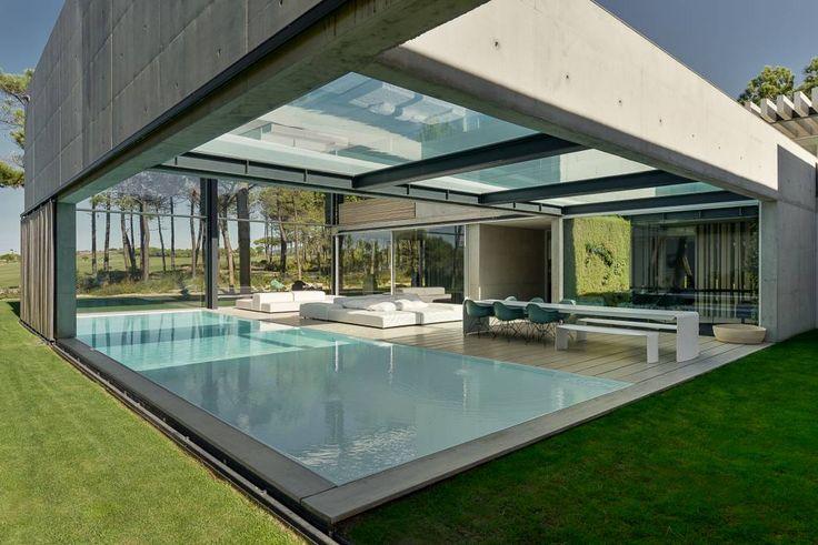 Albercas de estilo minimalista por guedes cruz arquitectos