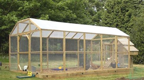 Long Legged Maggie's Dozen Hen House | Chicken Houses | Poultry Housing | Poultry Supplies