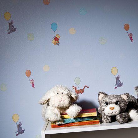 Tapetti Disney Magic Kids, wallpaper. Suloinen Nalle Puh - tapetti perheen pienimmille. www.k-rauta.fi