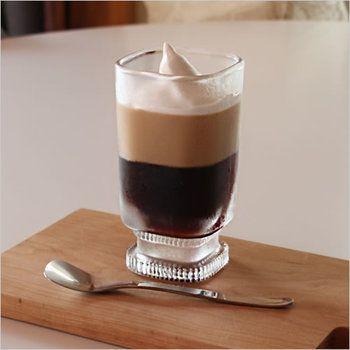 気分はおうちカフェ 夏のドリンク スイーツに合う涼しげなグラスとグッズあれこれ キナリノ アイスコーヒー 喫茶店 グラス