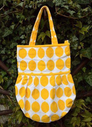 Kupuj mé předměty na #vinted http://www.vinted.cz/damske-tasky-a-batohy/tasky-pres-rameno/11948948-citronova-letni-taska-pres-rameno