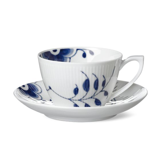 Royal Copenhagen Blue Fluted Mega Cup & saucer 28 cl, tea