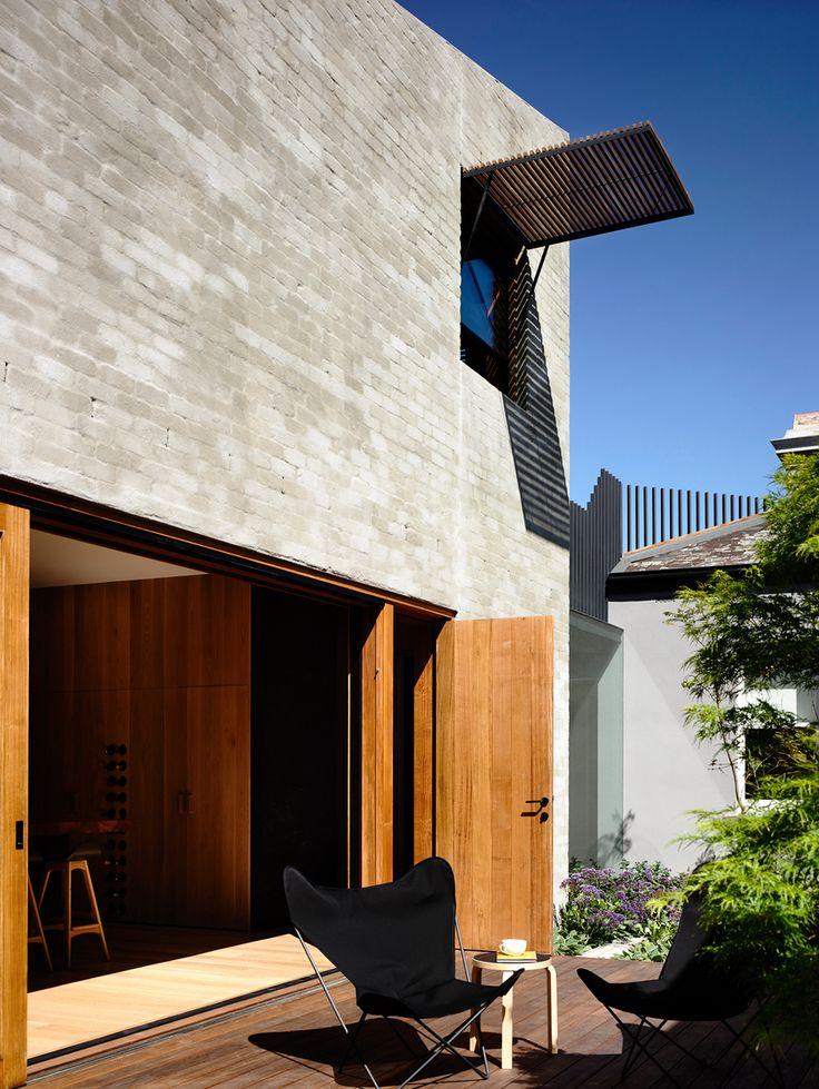 // East West House by Rob Kennon. Image: Derek Swalwell. Landscape: Robyn Barlow