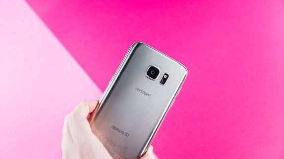 The first-look at Samsung's Galaxy S8 was probably just leaked in these videos Read more Technology News Here --> http://digitaltechnologynews.com  Samsung broke more than a few hearts when it didn't show off the highly-anticipated Galaxy S8 at this year's Mobile World Congress over the weekend. That doesn't mean Samsung fans are gonna be left in the dark though.   Officially all we got from Samsung over the weekend was a buzzy promo video hyping the S8's official unveiling on March 29…