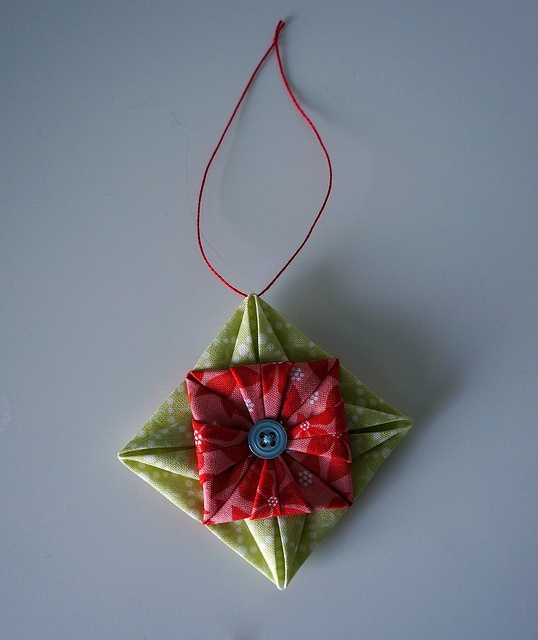 Origami Christmas Decorations: Best 25+ Origami Ornaments Ideas On Pinterest