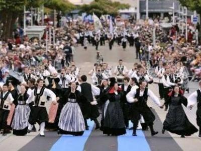 Festival interceltique de lorient guide touristique du Morbihan Bretagne