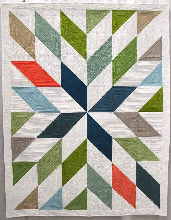 LeMoyne Mum by Melinda Bazzelle, Lewisville, TX. Quilted by Dina Dye.