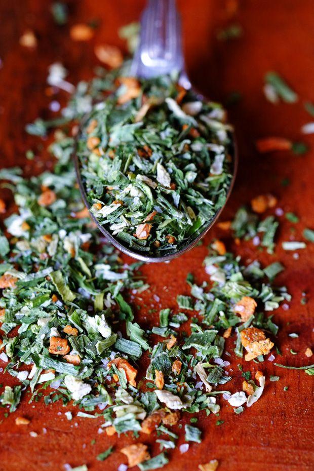 Brodo vegetale granulare fatto in casa: versione essiccata - GranoSalis - Blog di cucina naturale e consapevole