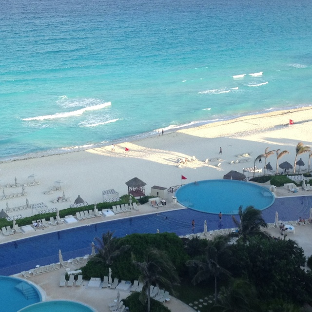 Live Aqua Resort, Cancun... i wish i could be on a beach right now. 10 mos!!! Can't wait to go back!