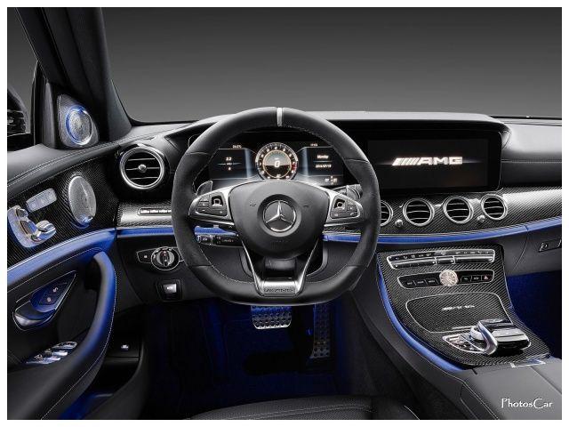 2017 Mercedes Benz E63 AMG : Lancée au printemps 2016, la nouvelle Mercedes Classe E annonce déjà ses versions AMG de pointe : 571 ch pour la E 63, 612 ch pour la E 63 S, et une transmission intégrale 4MATIC+ qui devient simple propulsion dans un mode de conduite dédié... Unique !