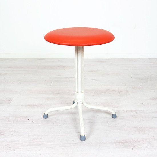 Oranje krukje - Webshop en winkel voor toffe en betaalbare vintage meubels en woonaccessoires