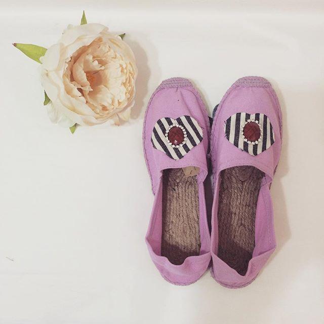 #mulpix Le espadrillas sono le scarpe estive per eccellenza e io le adoro 💖 Mi fanno pensare immediatamente al mare e ai tramonti sulla spiaggia ❤️  #pink  #pastel  #espadrillas  #madewithlove  #cosebelle  #cosenuove
