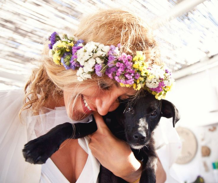 The bride with a friend #sifnos #weddingingreece #romanticmoment